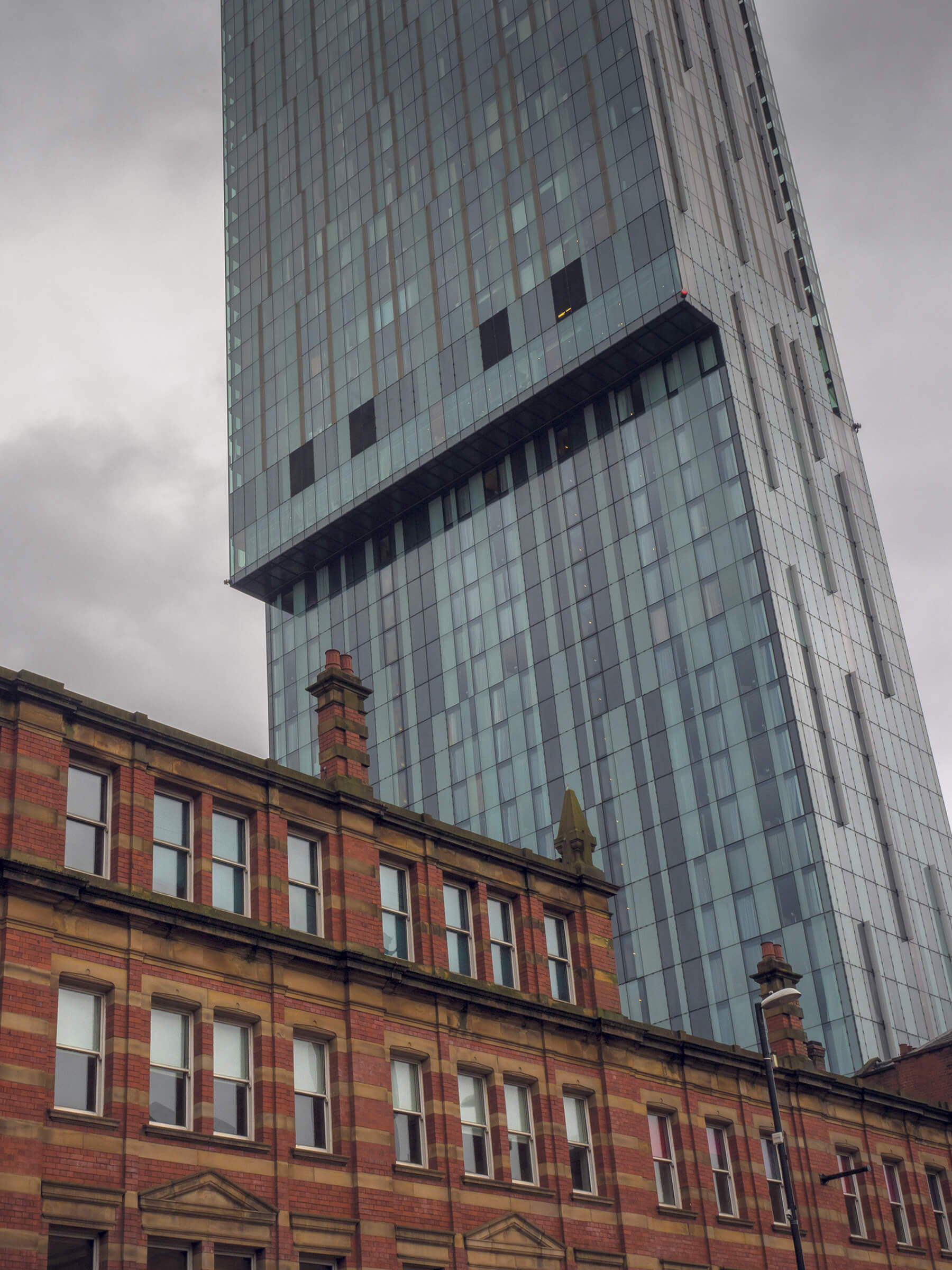 Skyscraper photographed with standard lens